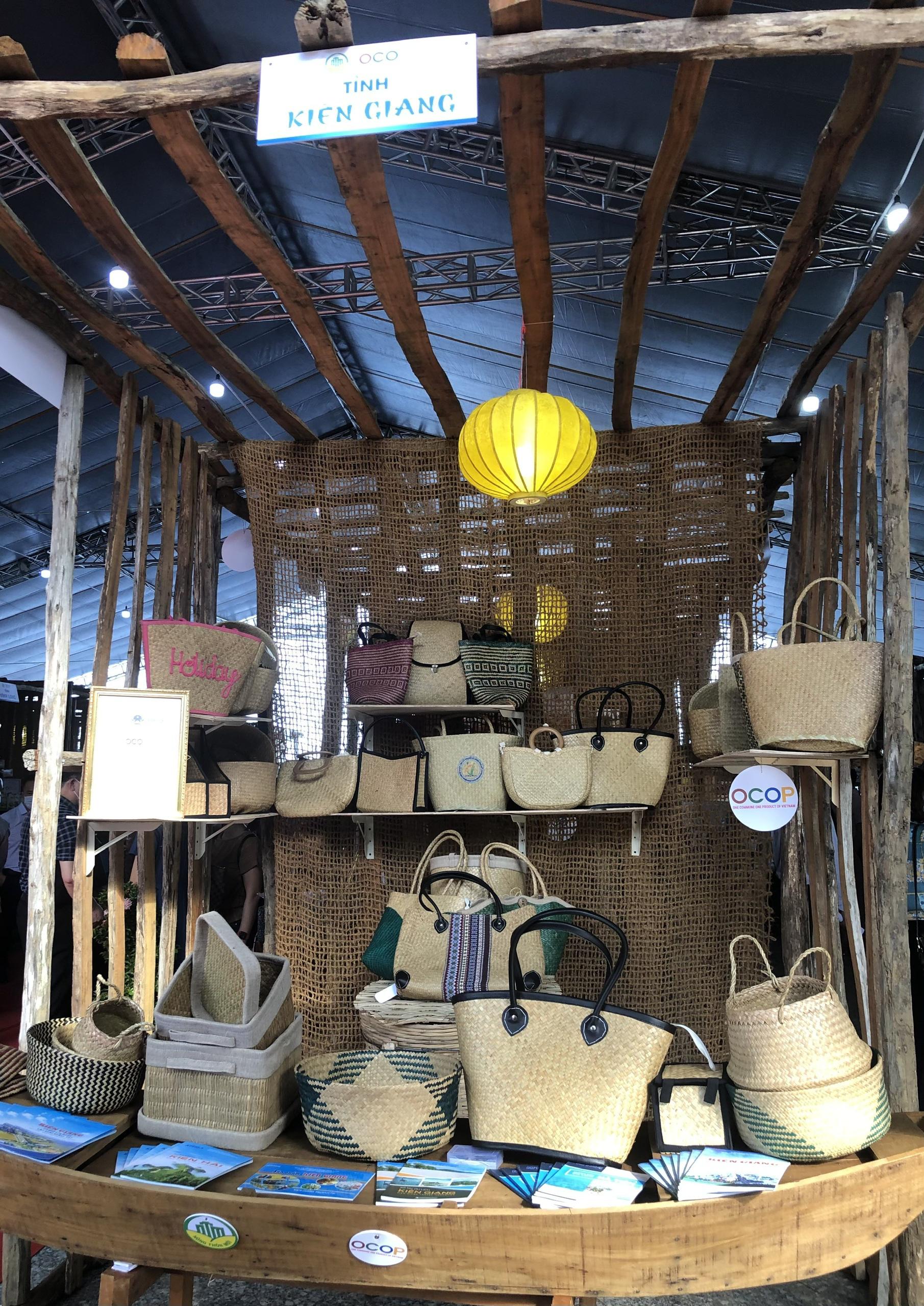 Hàng trăm sản phẩm OCOP – Hương sắc miền Tây hội tụ tại Phú Quốc - Ảnh 3.
