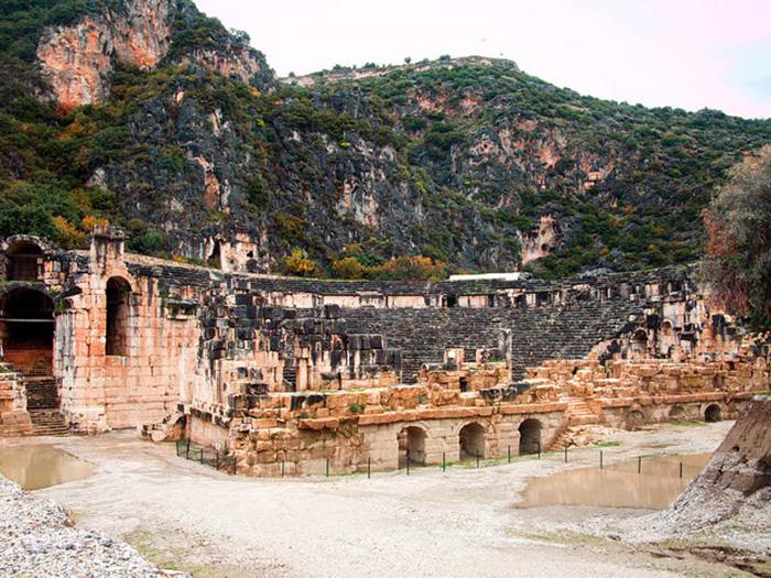 Điểm đến nổi tiếng Thổ Nhĩ Kỳ với hai nghĩa địa mộ đá cổ độc lạ - Ảnh 4.