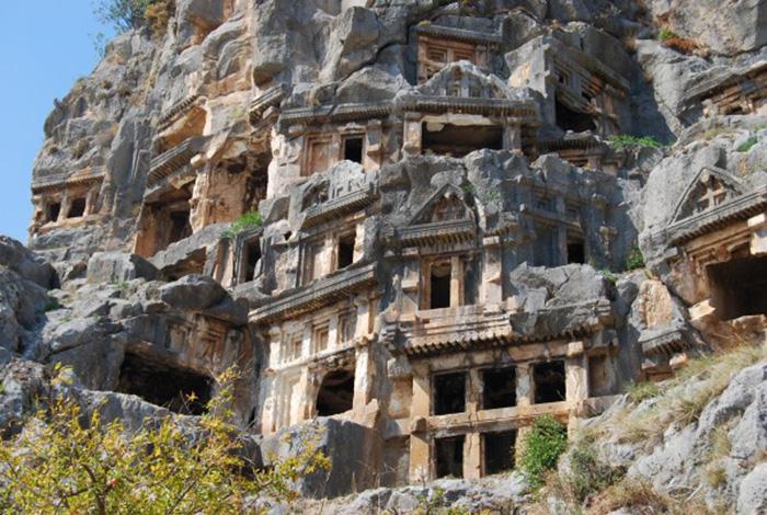 Điểm đến nổi tiếng Thổ Nhĩ Kỳ với hai nghĩa địa mộ đá cổ độc lạ - Ảnh 7.