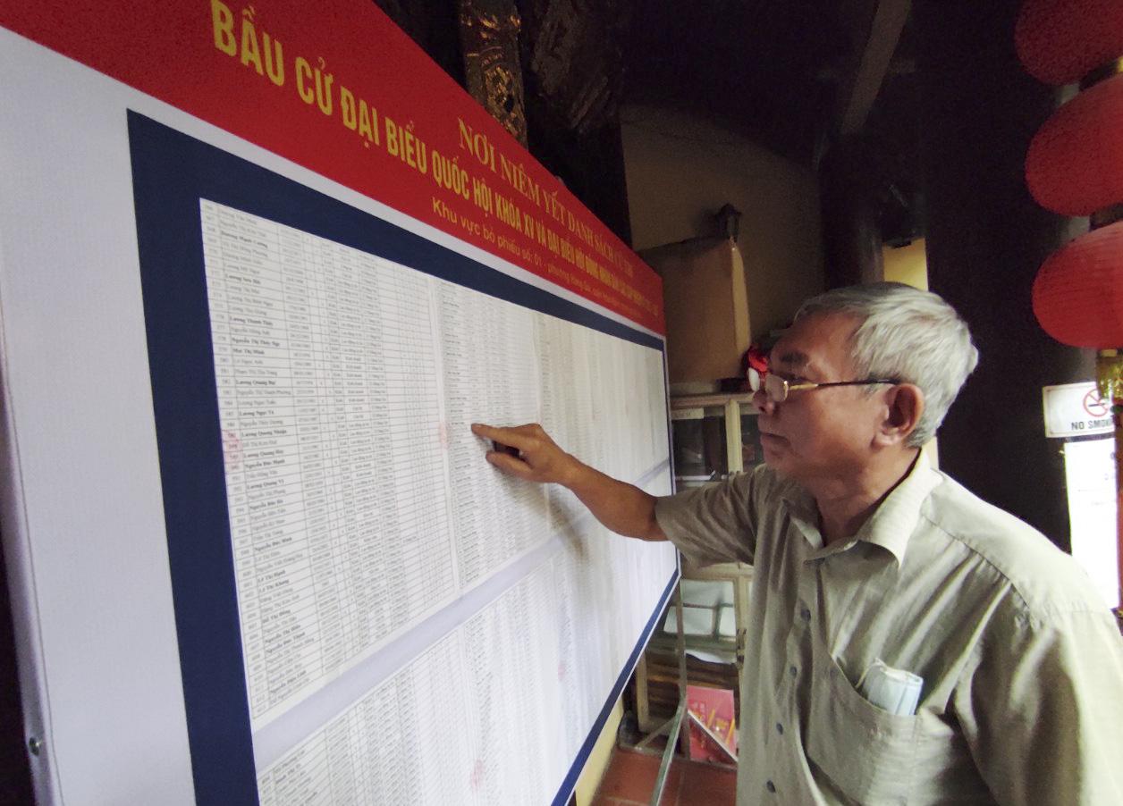 """Bầu cử ở Hà Nội: """"5 năm mới có một lần nên tôi hiểu mức độ quan trọng của lá phiếu"""" - Ảnh 3."""