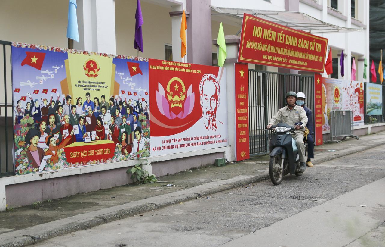 """Bầu cử ở Hà Nội: """"5 năm mới có một lần nên tôi hiểu mức độ quan trọng của lá phiếu"""" - Ảnh 2."""