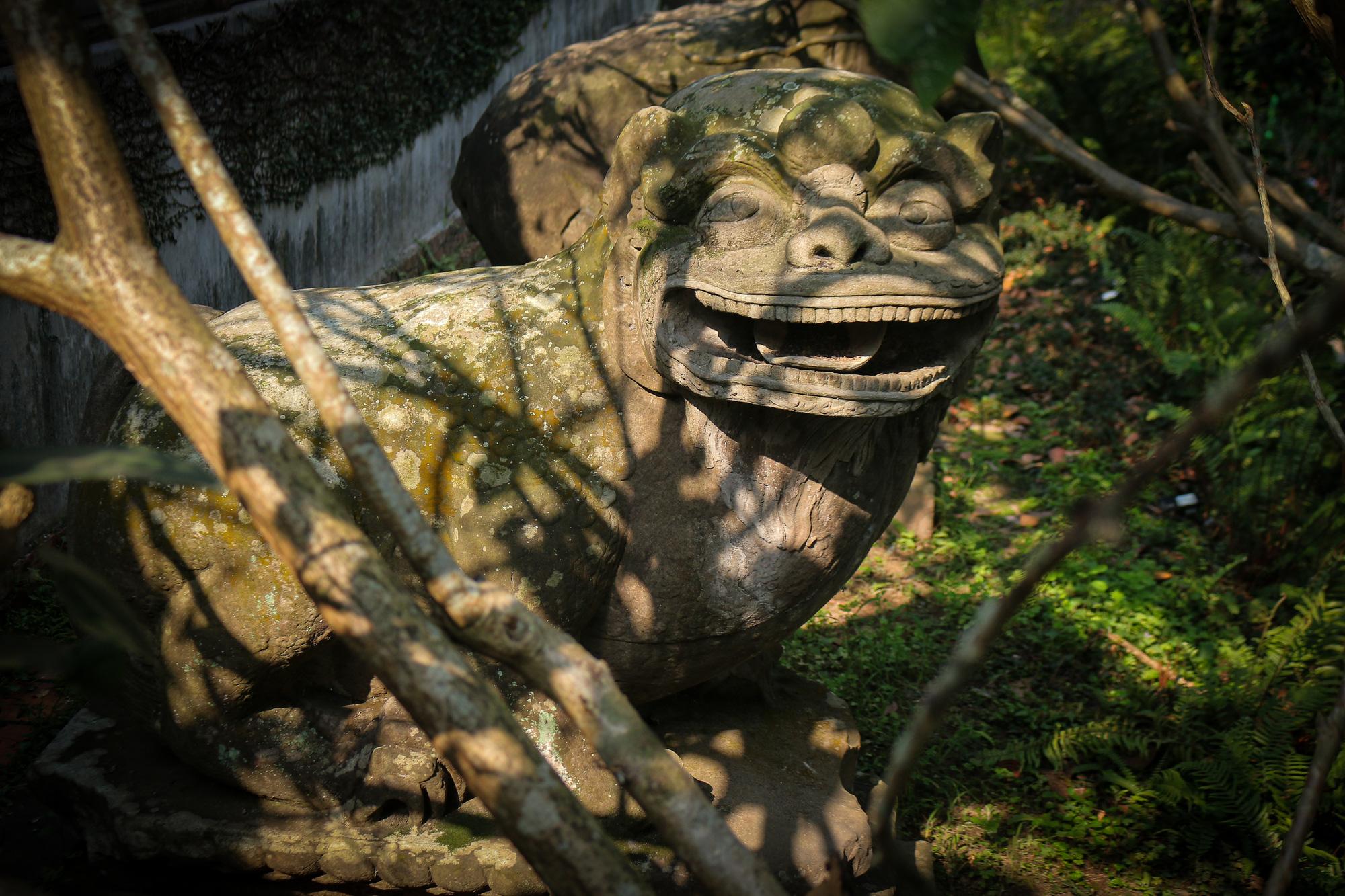 Bất ngờ ý nghĩa thực sự của bộ tượng linh thú nghìn tuổi ở chùa Phật Tích - Ảnh 7.