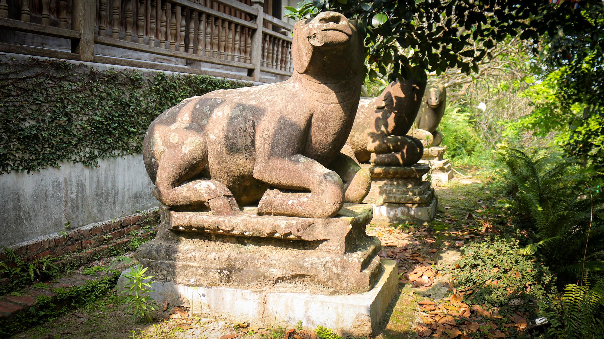 Bất ngờ ý nghĩa thực sự của bộ tượng linh thú nghìn tuổi ở chùa Phật Tích - Ảnh 4.