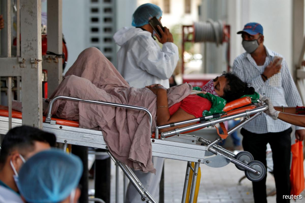 Bệnh viện tại Ấn Độ quá tải, số người tử vong mỗi ngày đã lên tới hàng nghìn - Ảnh 3.