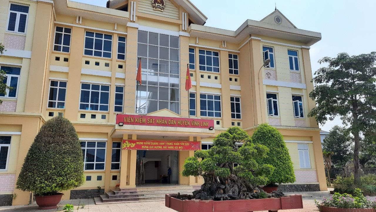 Tình tiết bất ngờ trong vụ án 2 cán bộ xã và cháu bé chết trong bể phốt ở Quảng Trị - Ảnh 4.