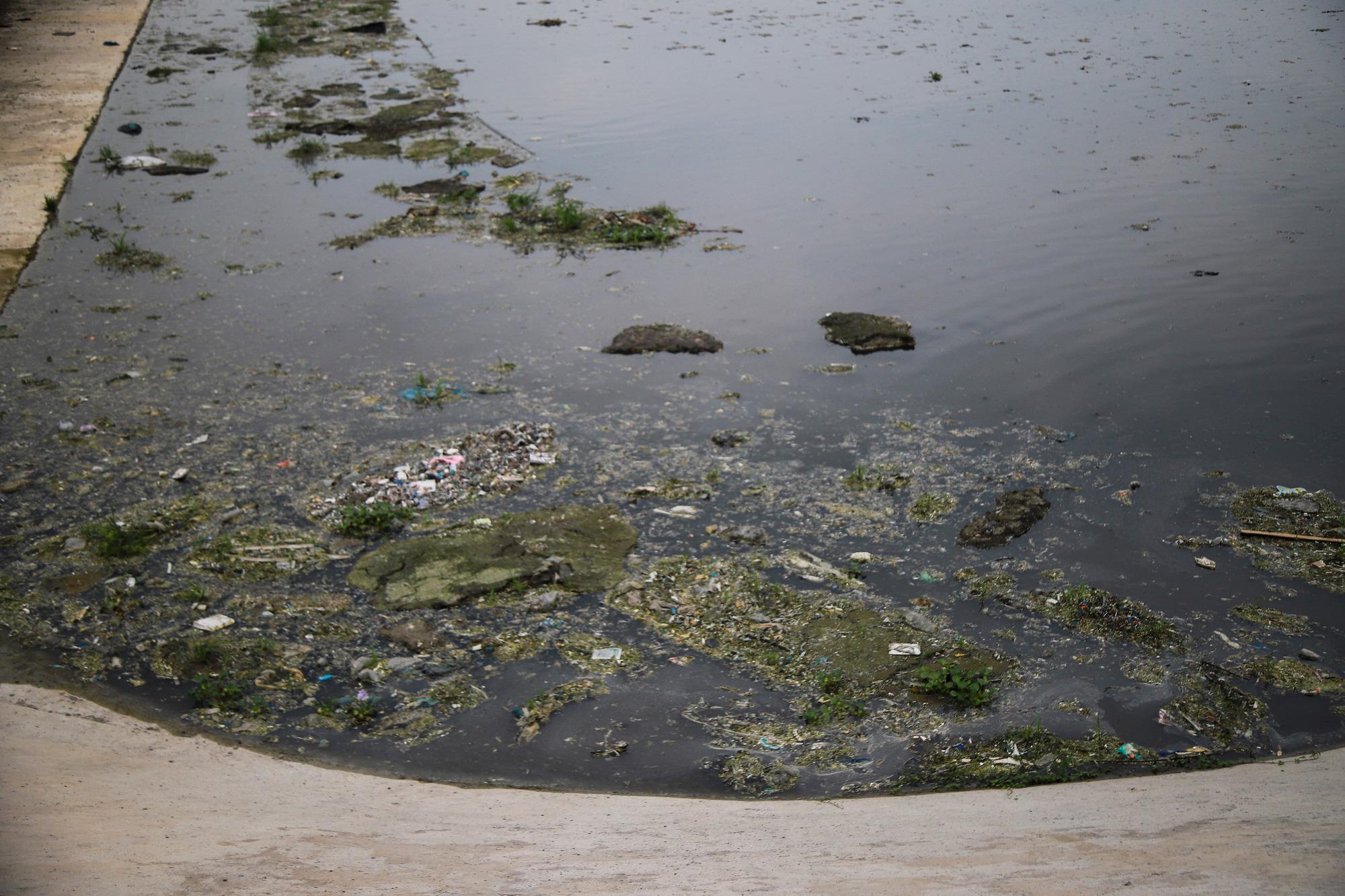 """Ô nhiễm kinh hoàng tại làng giấy Phú Lâm, Phong Khê, Phó Chủ tịch tỉnh Bắc Ninh ra tuyên bố """"rắn"""" với doanh nghiệp - Ảnh 7."""