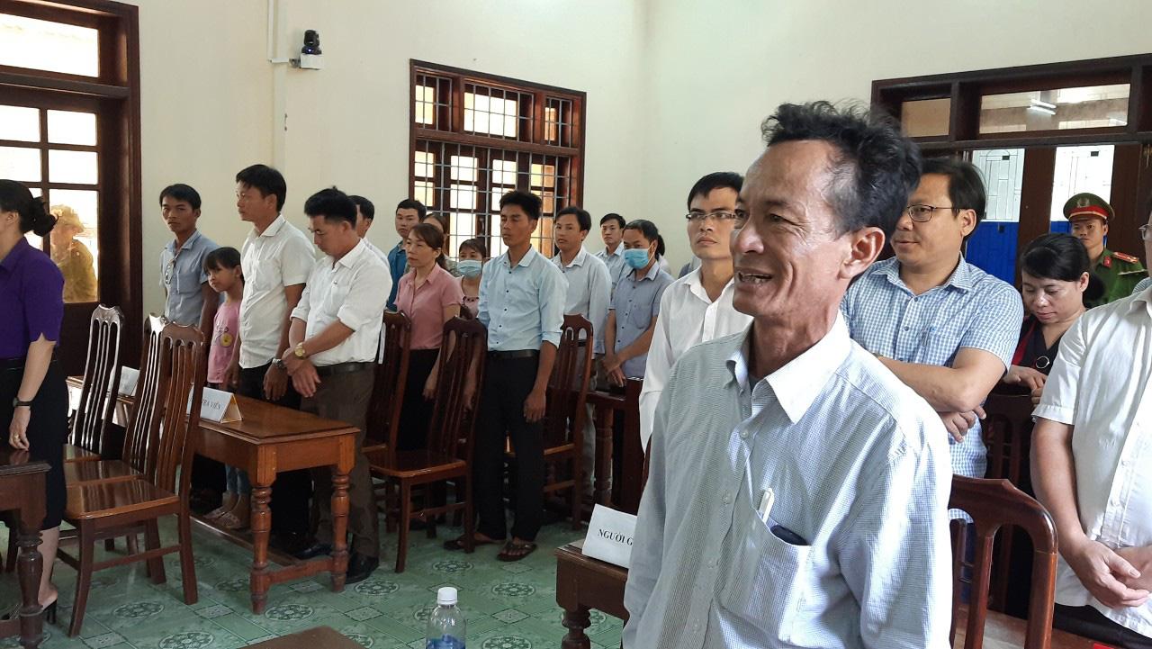 Tình tiết bất ngờ trong vụ án 2 cán bộ xã và cháu bé chết trong bể phốt ở Quảng Trị - Ảnh 5.