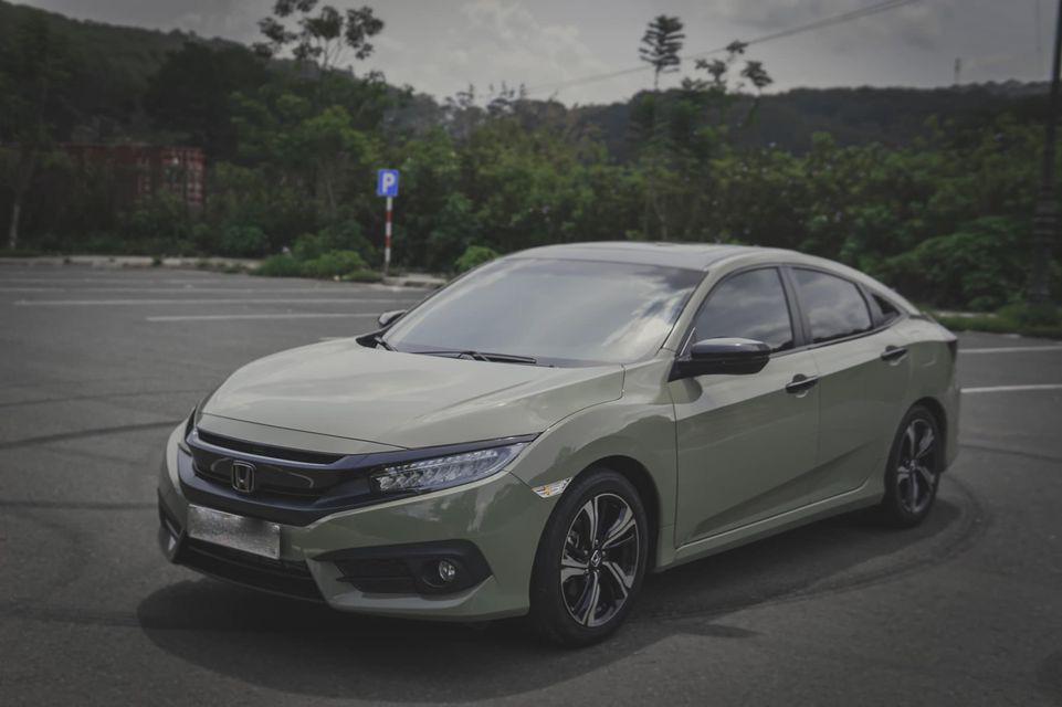 """Honda Civic chạy hơn 3 vạn km, """"độ"""" lạ mắt, rao bán giá hấp dẫn - Ảnh 1."""