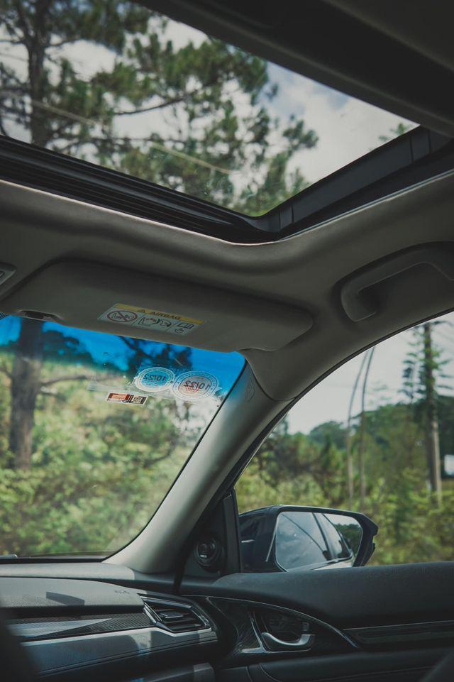 """Honda Civic chạy hơn 3 vạn km, """"độ"""" lạ mắt, rao bán giá hấp dẫn - Ảnh 3."""