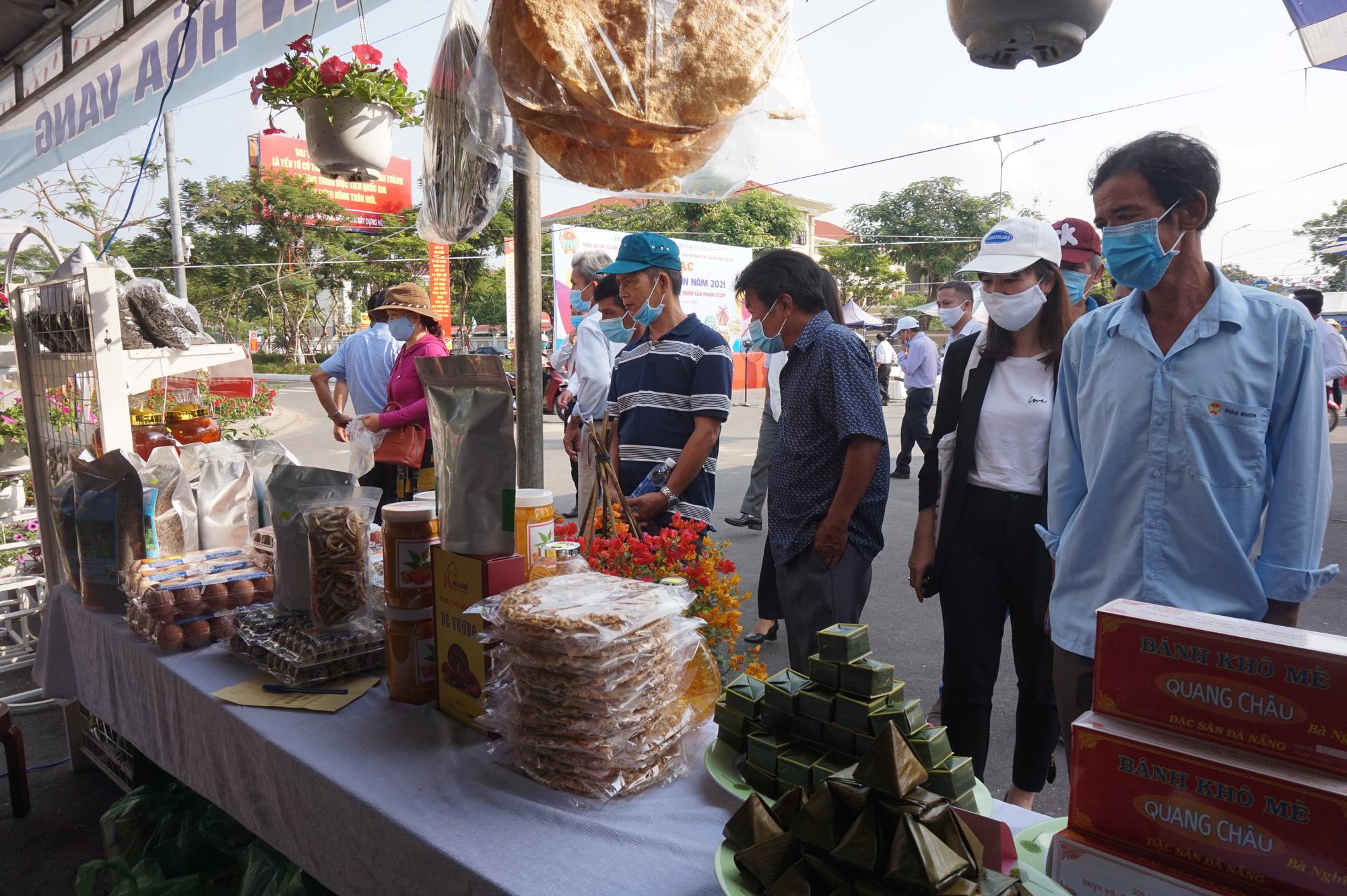 Đà Nẵng: Sản phẩm OCOP, rau sạch hút hàng tại Phiên sợ nông sản - Ảnh 3.