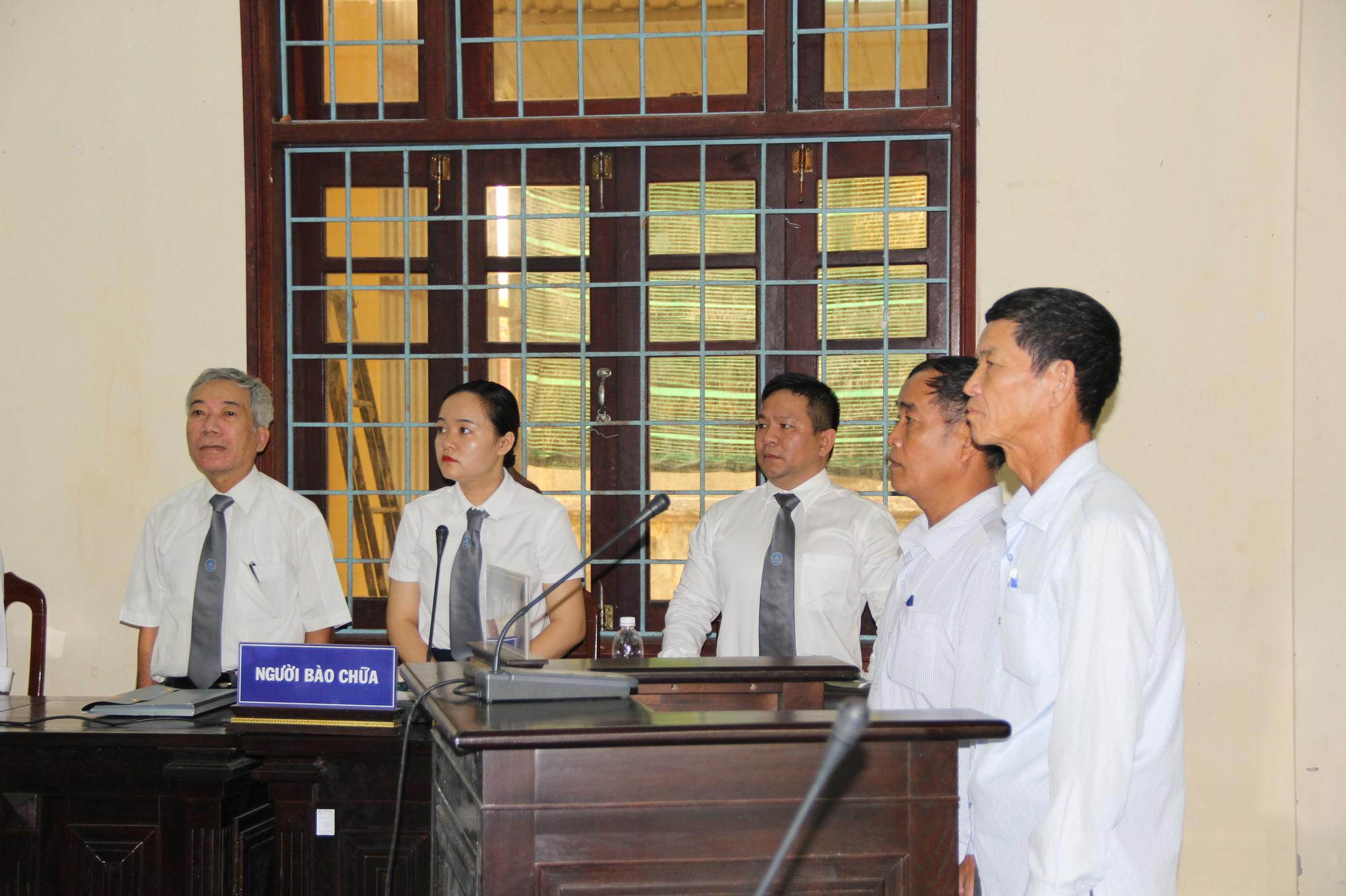 Tình tiết bất ngờ trong vụ án 2 cán bộ xã và cháu bé chết trong bể phốt ở Quảng Trị - Ảnh 2.