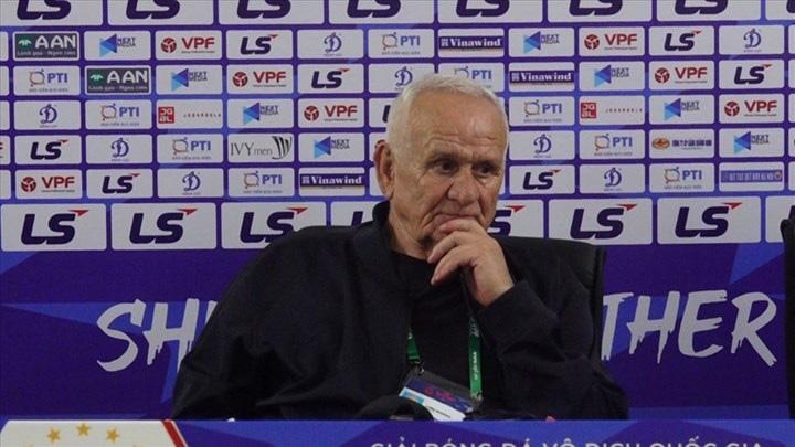 HLV Petrovic đánh giá cao sức mạnh tập thể, độ nhuần nhuyễn trong lối chơi của HAGL.