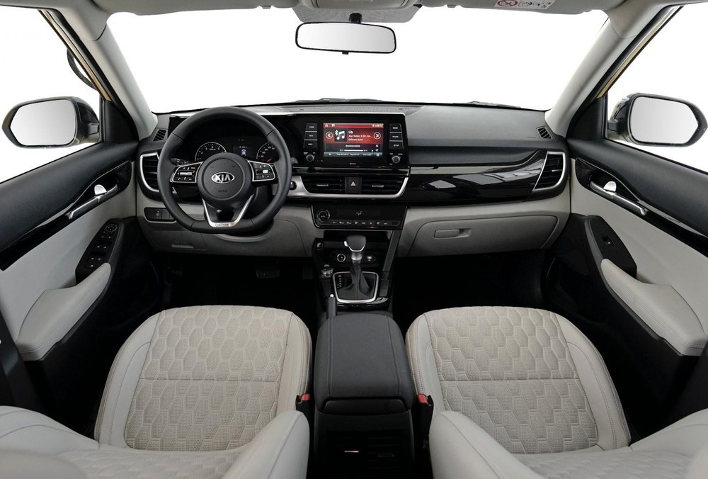 Mazda CX-3 ngoài giá rẻ, có gì để đấu Kia Seltos và Hyundai Kona? - Ảnh 5.