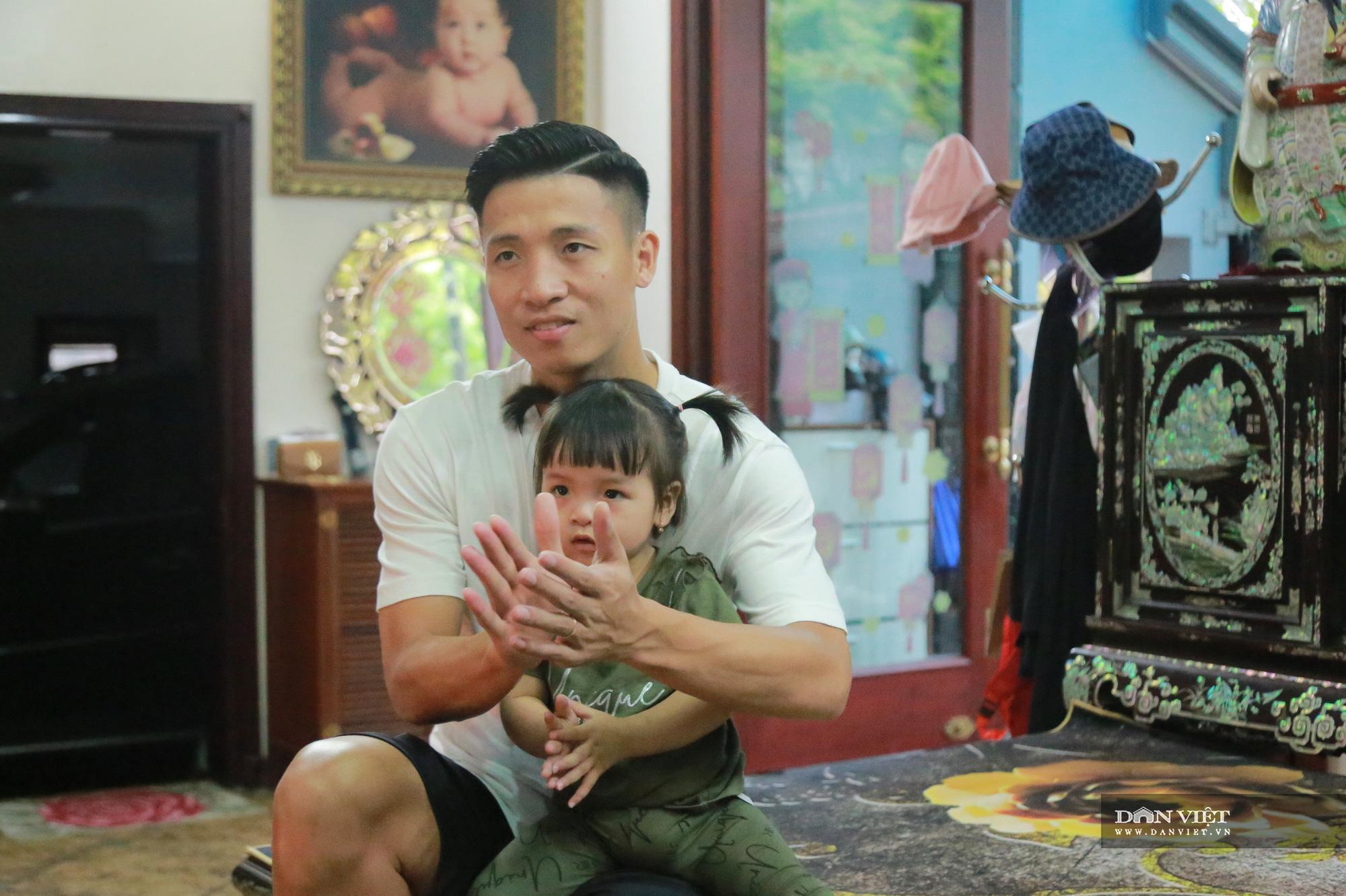 """Hậu vệ Bùi Tiến Dũng: """"Gia đình là số 1, thầy Park là người cha thứ 2 của tôi"""" - Ảnh 5."""