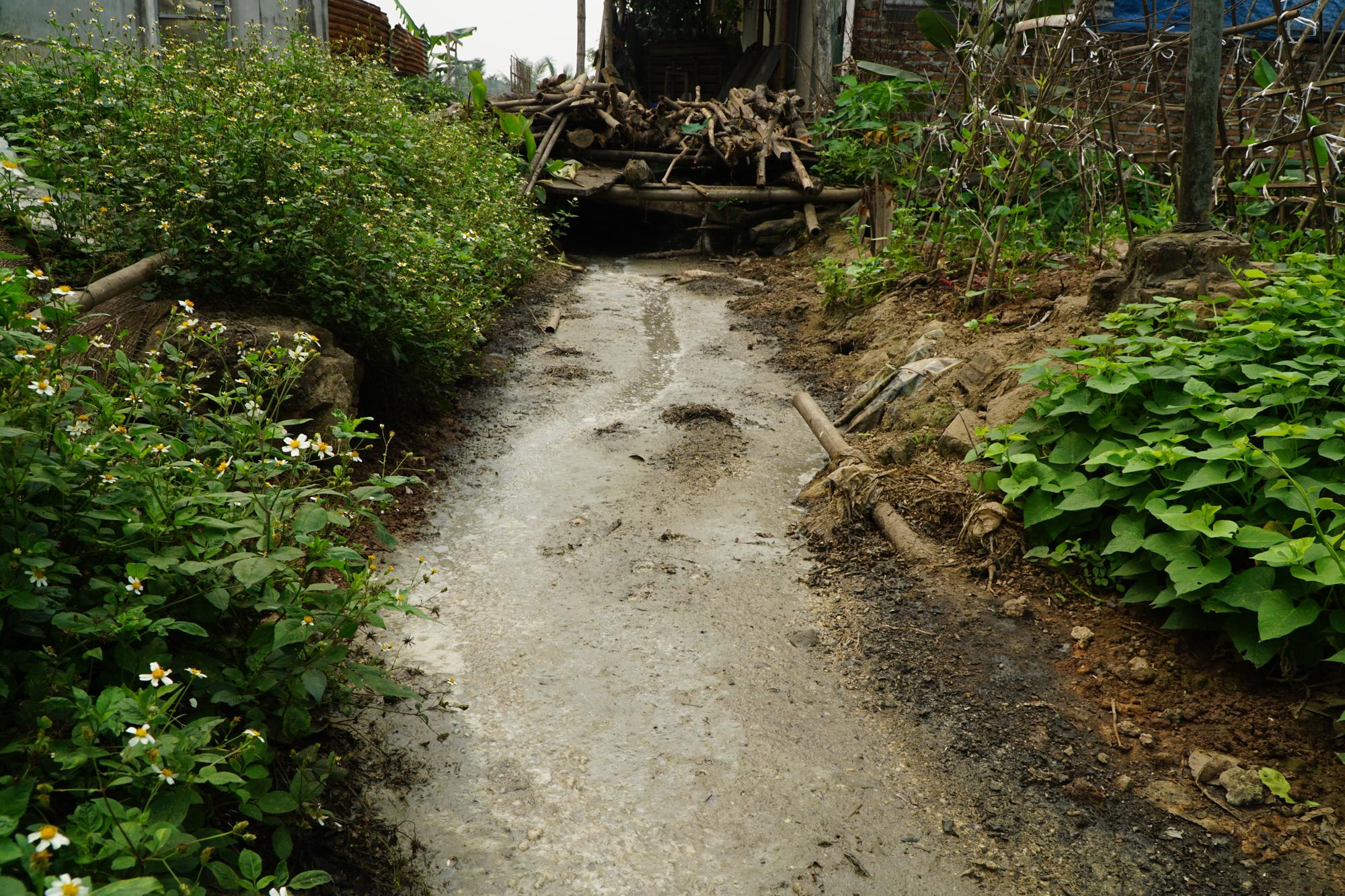 Cận cảnh tình trạng ô nhiễm khủng khiếp tại Hoài Đức, Hà Nội - Ảnh 13.