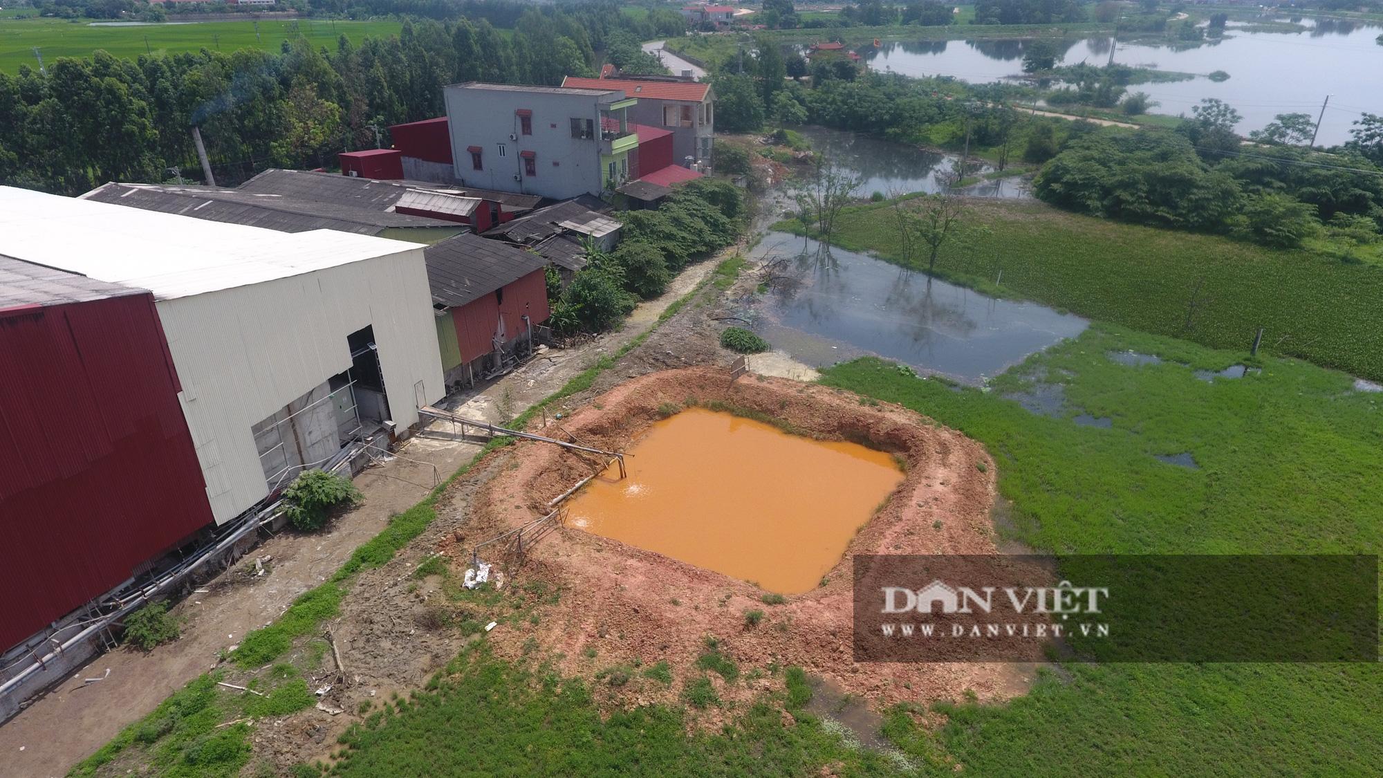 Kinh hãi bên trong nhà máy sản xuất giấy vừa bị đình chỉ ở Phong Khê - Ảnh 12.