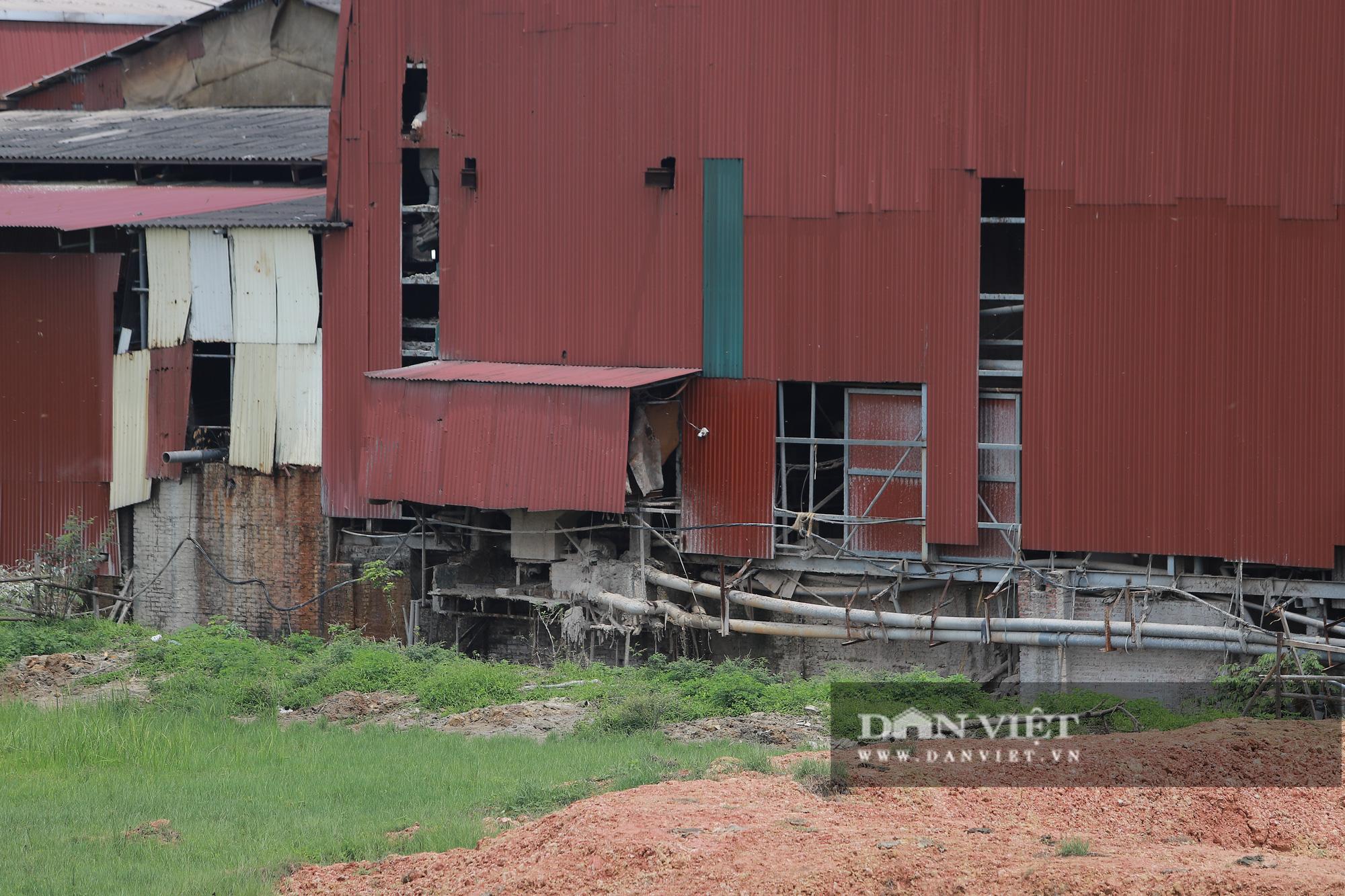 Kinh hãi bên trong nhà máy sản xuất giấy vừa bị đình chỉ ở Phong Khê - Ảnh 11.