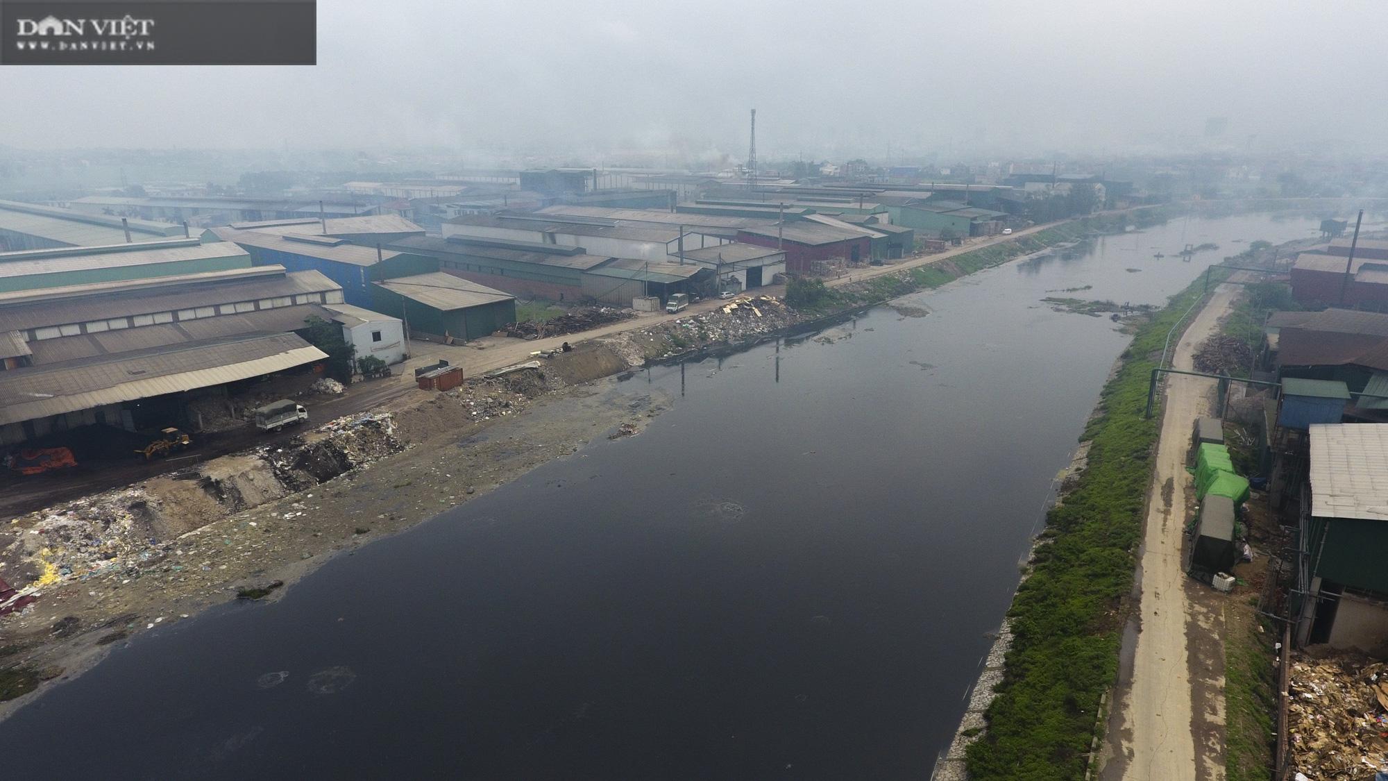 """Bắc Ninh: """"Điểm mặt"""" thủ phạm bức tử sông Ngũ Huyện Khê, bị xử phạt tiền tỷ ở làng giấy Phong Khê  - Ảnh 1."""