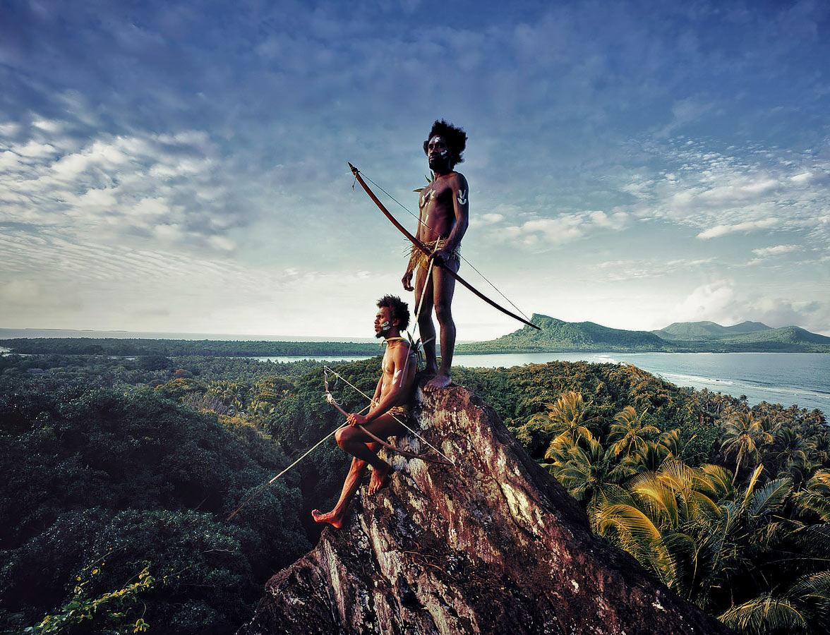 """Phục trang tối giản với chiếc """"vỏ bọc của quý"""" trứ danh của đàn ông Vanuatu - Ảnh 5."""