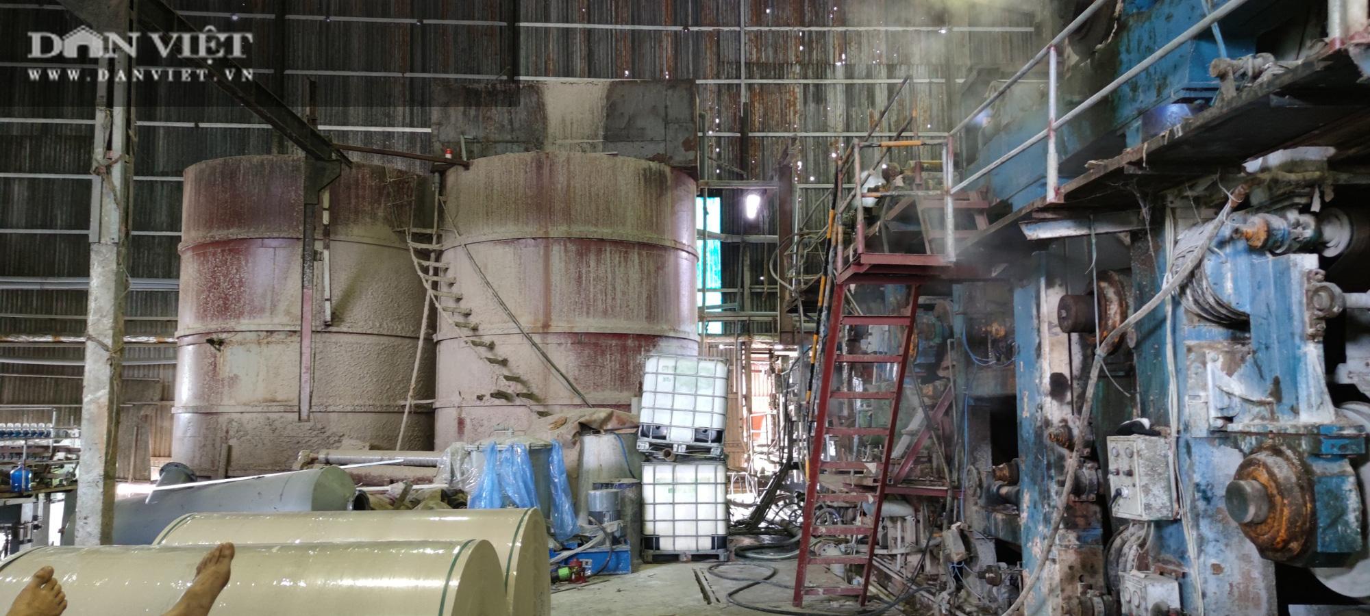Bắc Ninh: Khẩn cấp lập đoàn công tác thực hiện xử phạt tiền tỷ, đình chỉ 6 cơ sở sản xuất giấy ở Phong Khê - Ảnh 1.