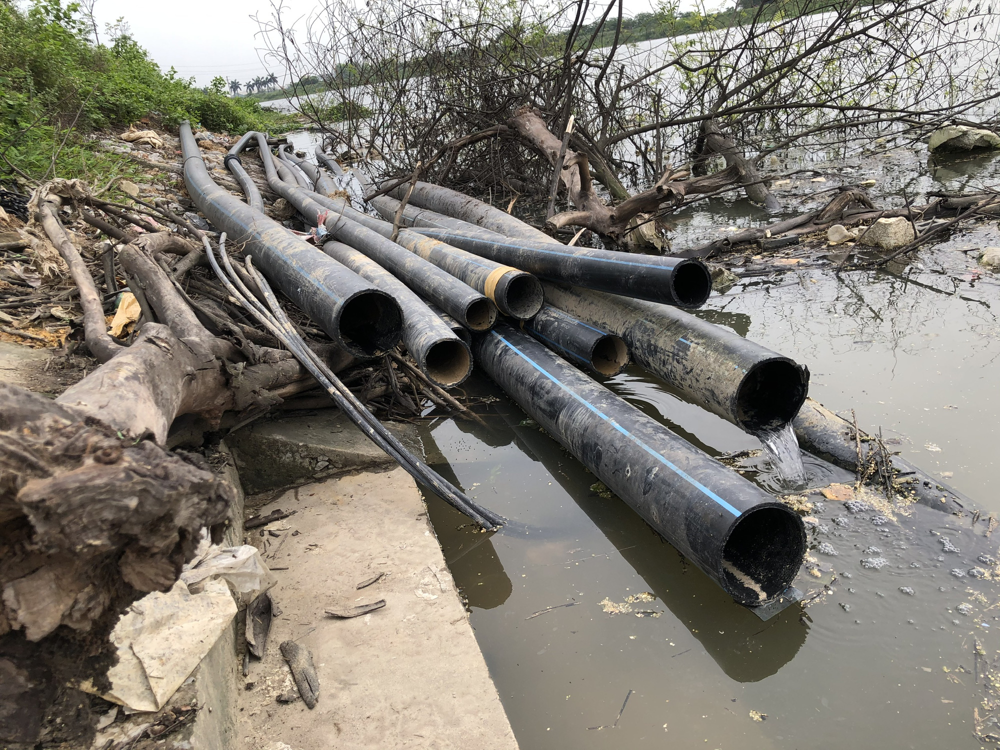 Bắc Ninh: Xử lý hình sự các trường hợp chống đối, gây ô nhiễm môi trường kinh hoàng ở làng giấy Phong Khê - Ảnh 4.