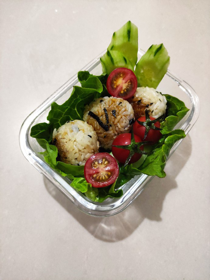 Thử làm cơm nắm rong biển sốt đậu nành kiểu Nhật vừa đẹp vừa ngon miệng - Ảnh 9.