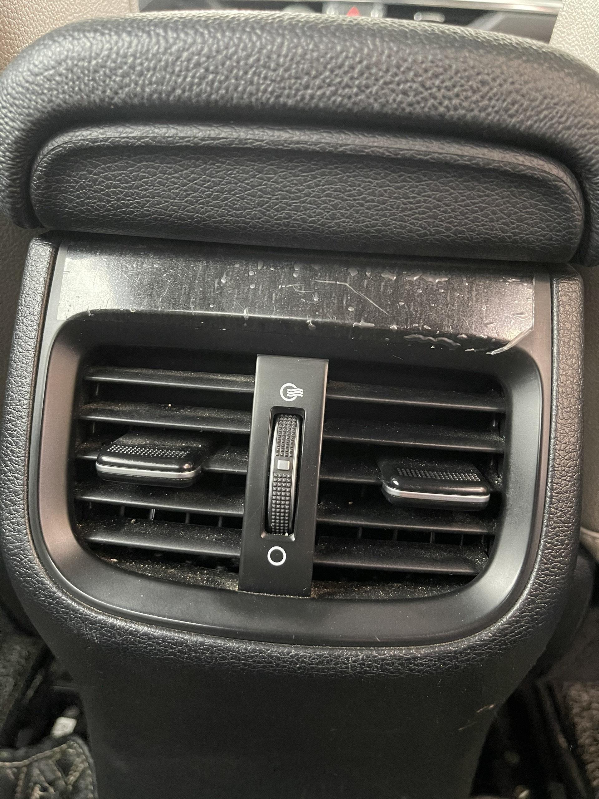 """""""Cày"""" Kia Cerato 6,8 vạn sau 2 năm, chủ xe đánh giá khó tin - Ảnh 10."""