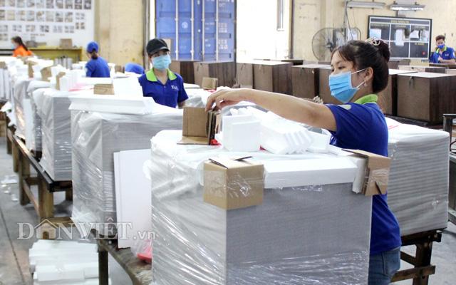 Công nhân TAC đóng hàng chuẩn bị xuất khẩu