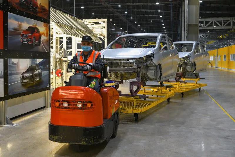Reuters: Đây  là vũ khí của VinFast  để đấu với Tesla tại Mỹ - Ảnh 1.