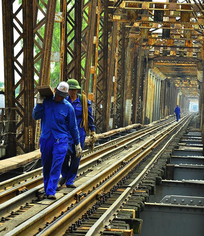 """""""Giải cứu"""" cầu Long Biên và ý tưởng làm giàu từ những cầu cầu của Hà Nội - Ảnh 10."""