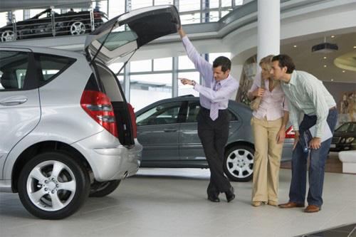 Có nên mua xe cho cá nhân nhưng để công ty đứng tên? - Ảnh 1.