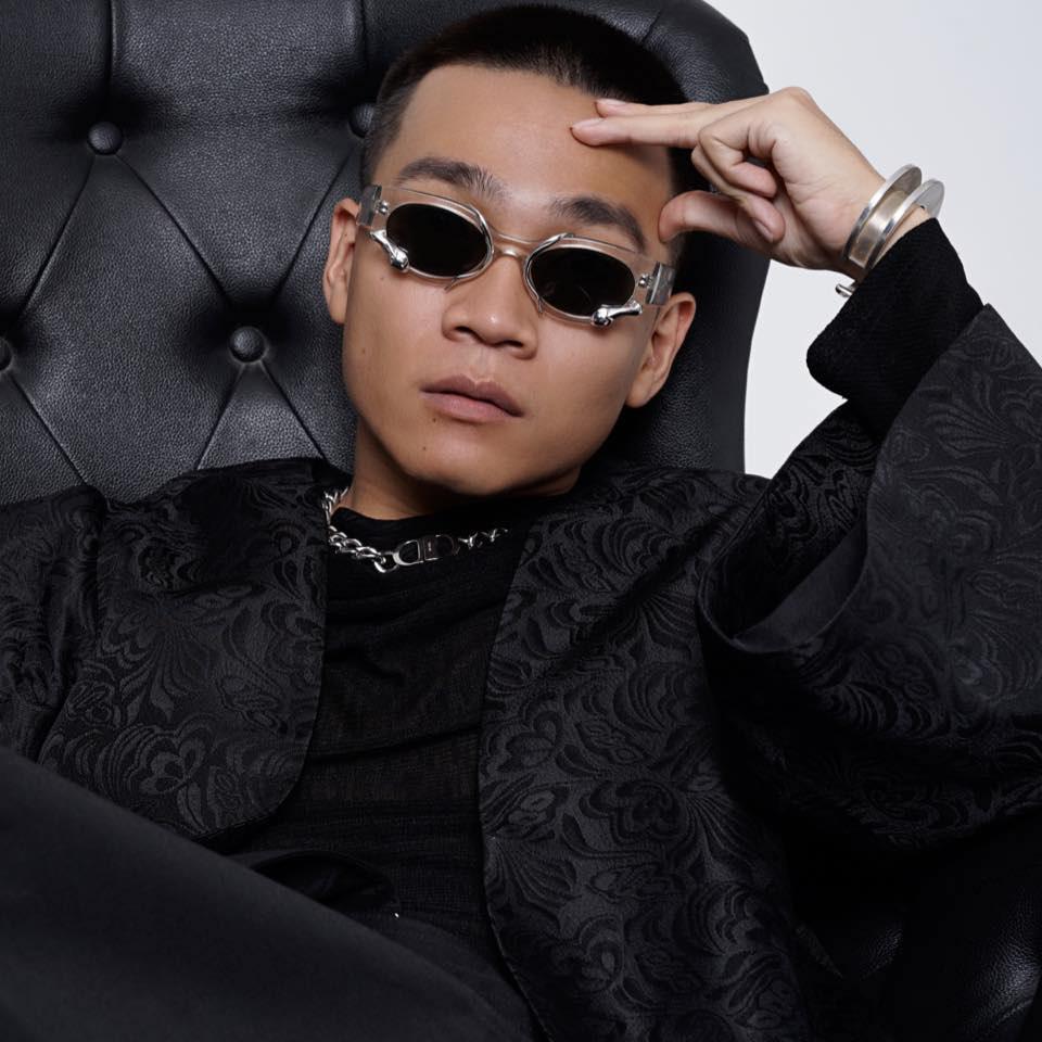 Loạt nghệ sĩ Việt tiếc nuối hoãn show, chịu thiệt hại do dịch Covid-19 - Ảnh 1.