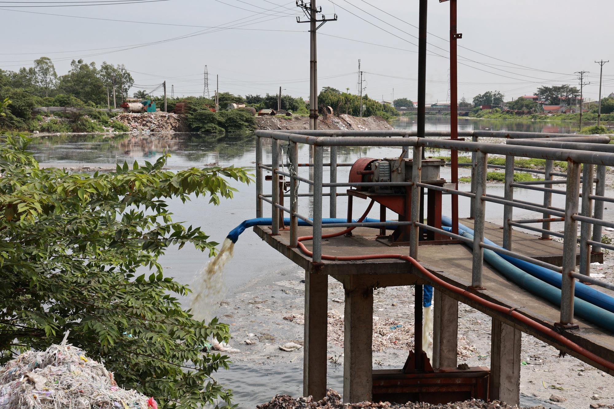 Chủ tịch UBND TP. Bắc Ninh họp bàn kế hoạch xử lý ô nhiễm kinh hoàng ở làng giấy Phong Khê  - Ảnh 2.