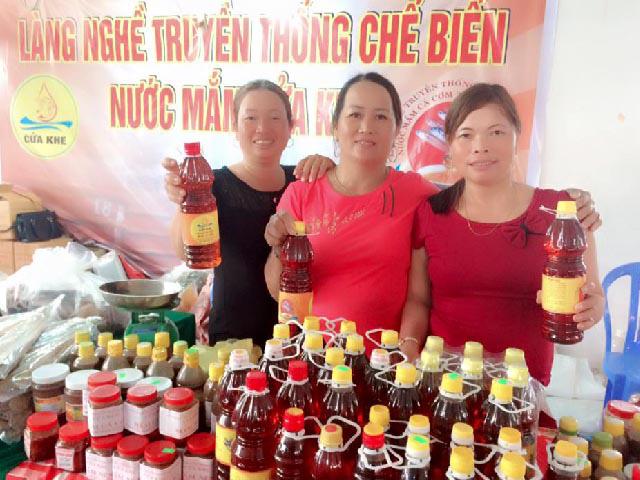 Quảng Nam: Làng Cửa Khe tổ chức lễ cúng tổ nghề mắm - Ảnh 6.
