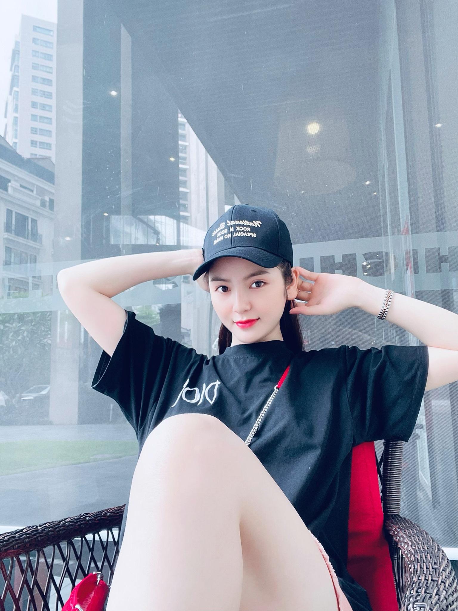 Lộ diện bạn gái mới của Quang Hải: Cuốn hút hơn cả Huỳnh Anh - Ảnh 6.