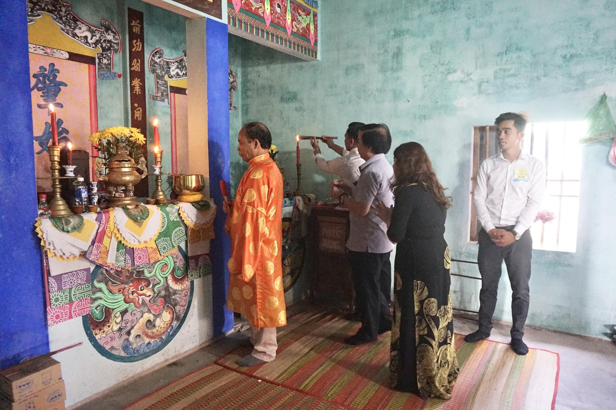 Quảng Nam: Làng Cửa Khe tổ chức lễ cúng tổ nghề mắm - Ảnh 1.