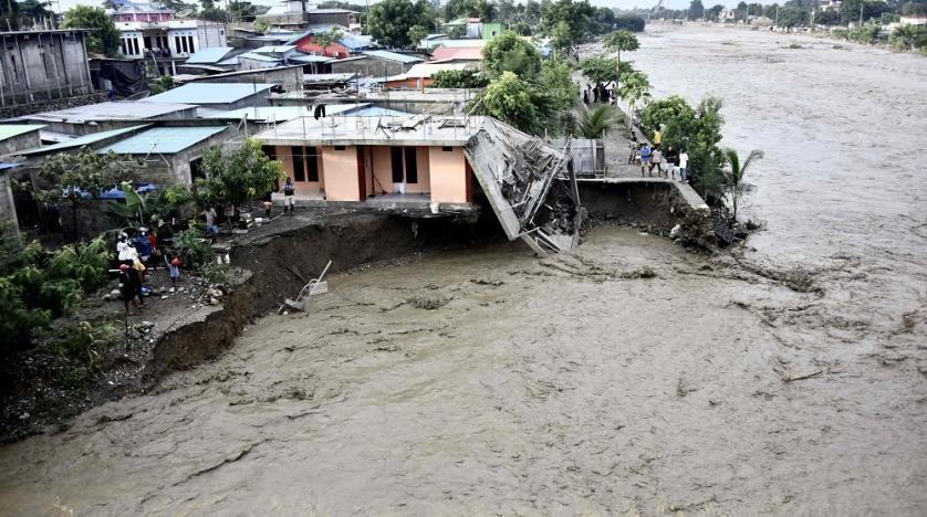 Trận lốc xoáy kinh hoàng khiến ít nhất 76 người thiệt mạng tại Indonesia và Đông Timor - Ảnh 2.