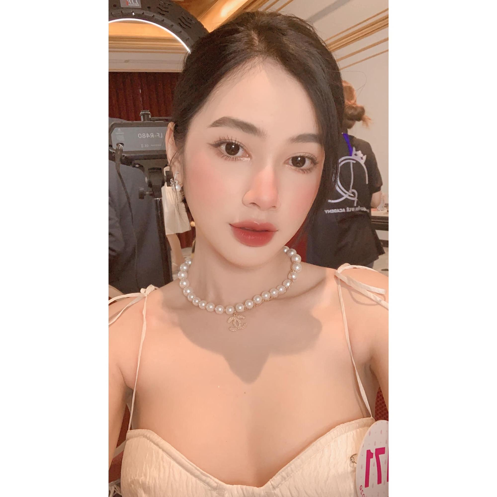 """7 mỹ nhân Việt bị """"gạ tình"""" giá cao ngất ngưởng: Cẩm Đan, hot girl Mai Thỏ...  - Ảnh 1."""