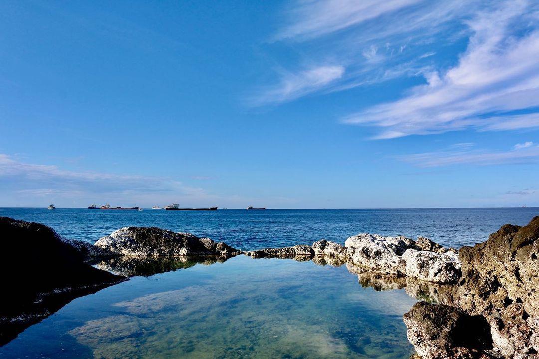 Bình Thuận: Hồ bơi tự nhiên nổi trên biển đẹp như trời Âu  - Ảnh 2.
