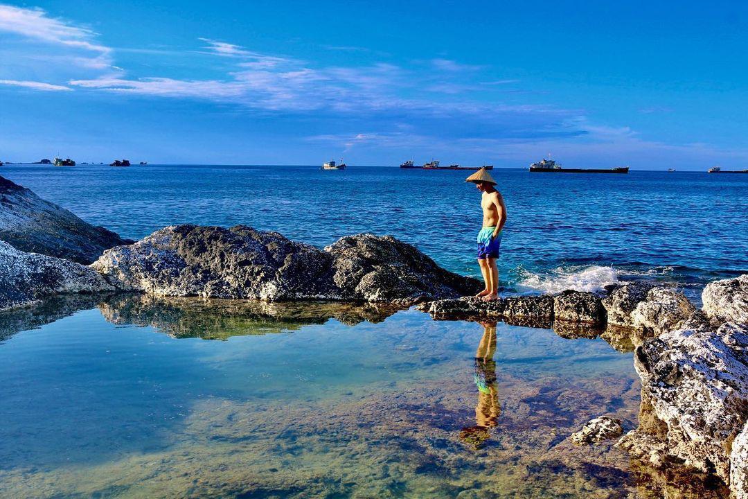 Bình Thuận: Hồ bơi tự nhiên nổi trên biển đẹp như trời Âu  - Ảnh 7.