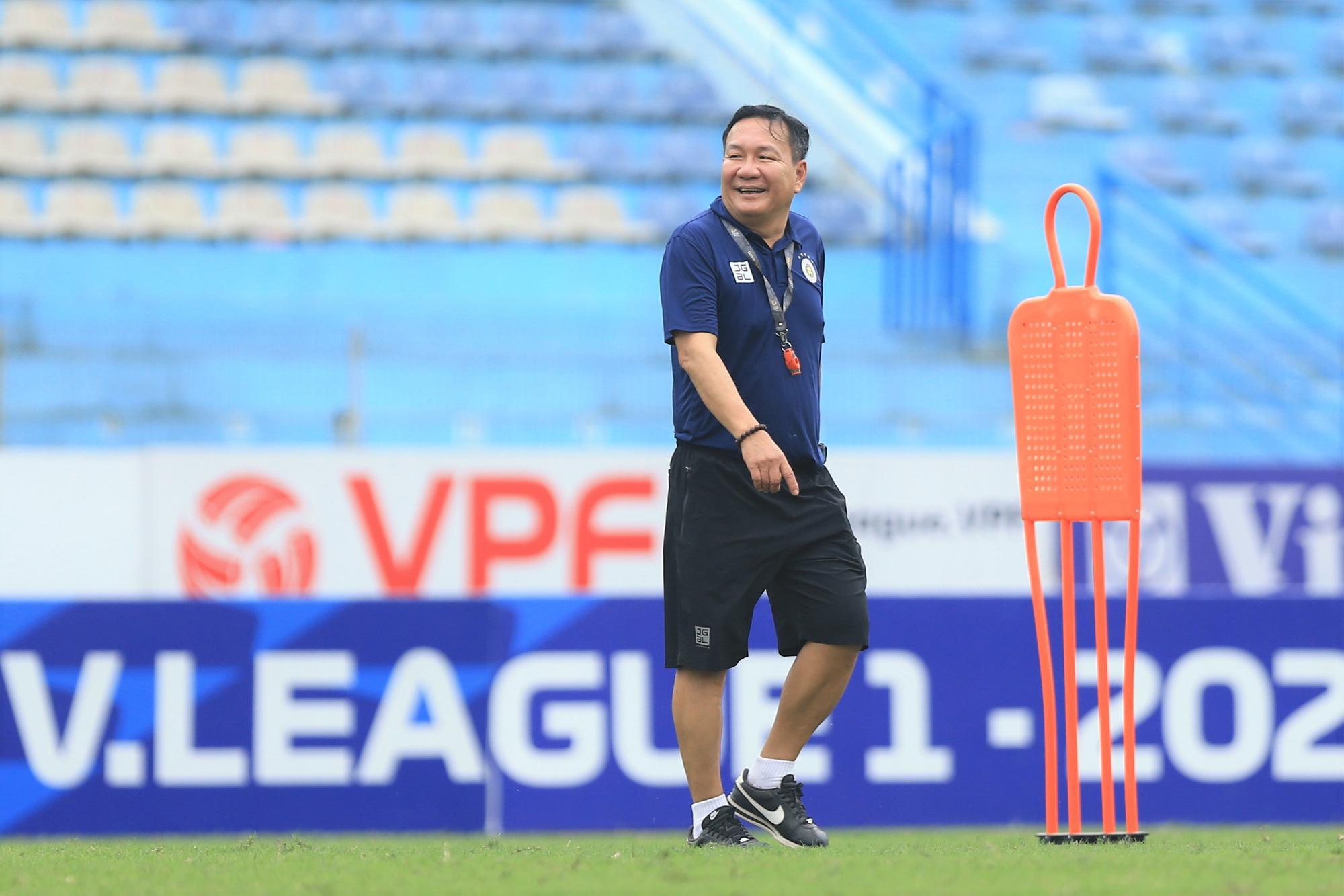 """Tân HLV Hà Nội FC sẽ trình làng """"người đóng thế"""" Hùng Dũng - Ảnh 1."""