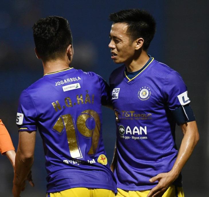 Văn Quyết chỉ có thể trở lại sát cánh cùng Hà Nội FC ở vòng 10 khi làm khách của HAGL.