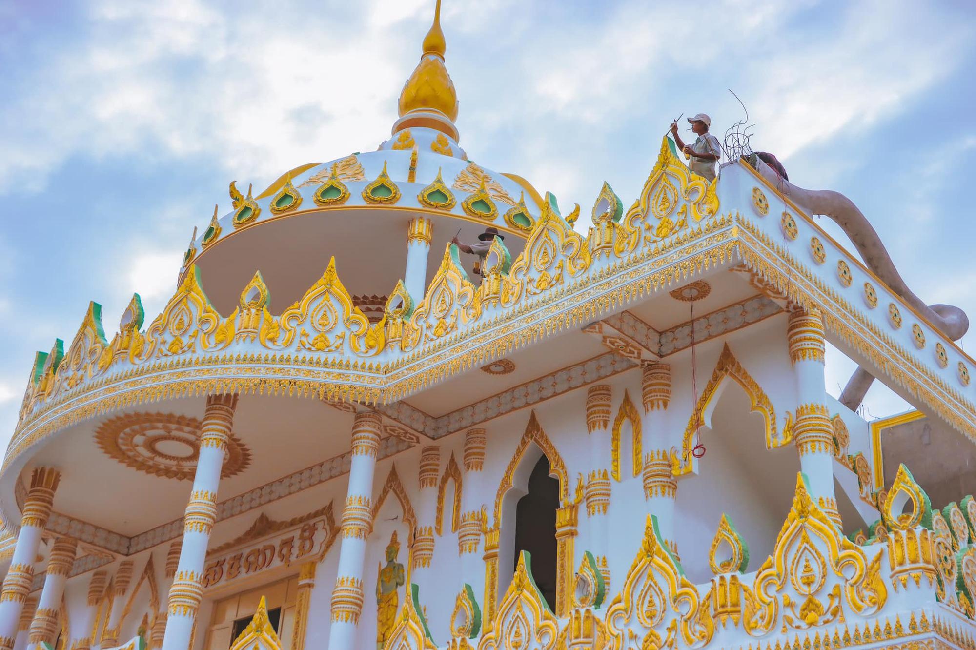"""Độc đáo ngôi chùa """"Thái Lan"""" đang sốt rần rần ở tỉnh Sóc Trăng - Ảnh 1."""