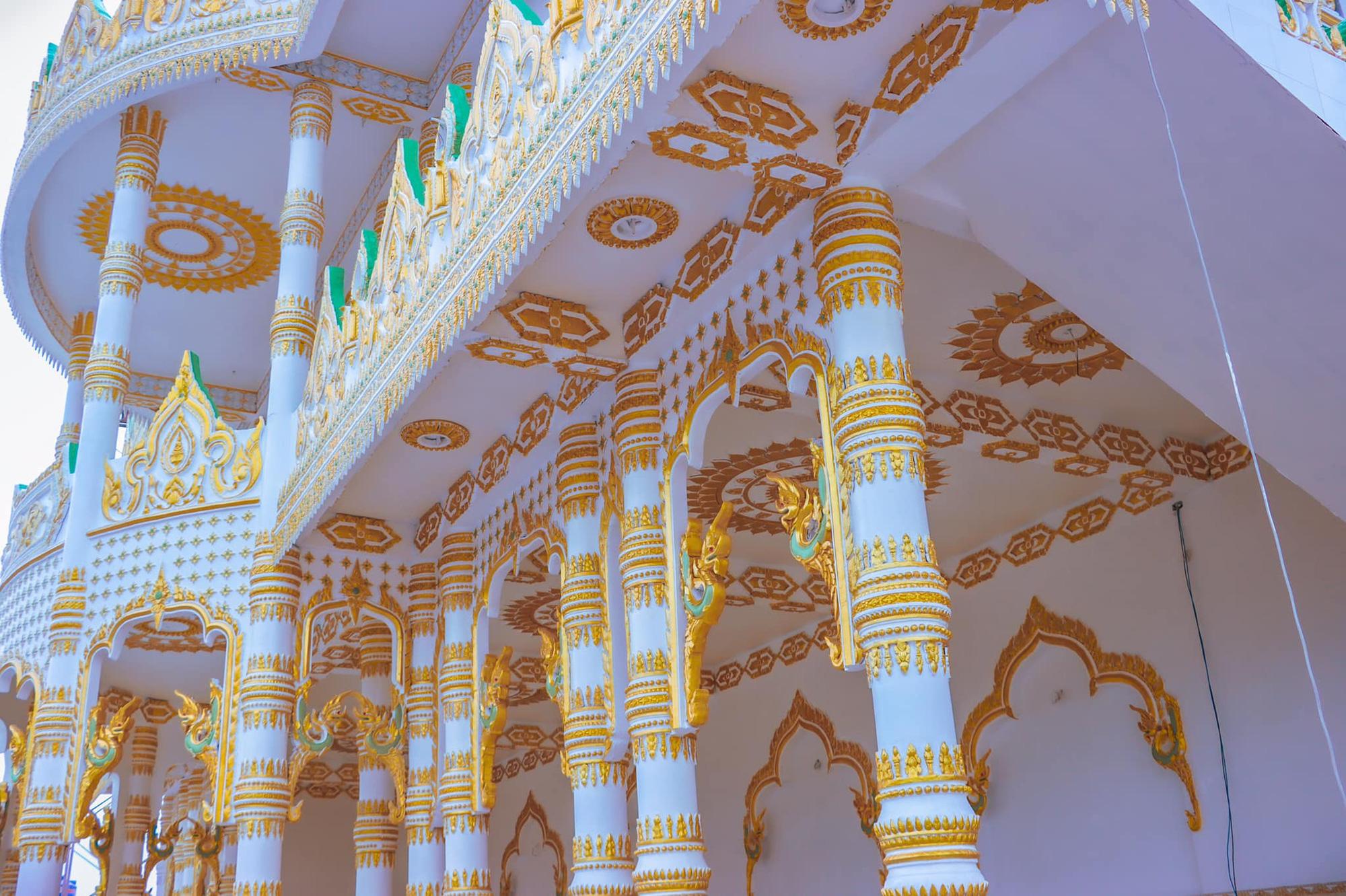"""Độc đáo ngôi chùa """"Thái Lan"""" đang sốt rần rần ở tỉnh Sóc Trăng - Ảnh 2."""