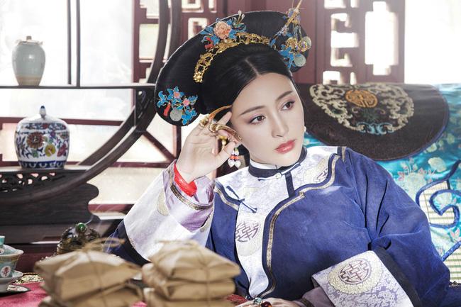 Sủng phi sống qua 4 đời Hoàng đế: Từ cung nữ trở thành phi tần, sau bị giáng vị vì đùa giỡn với thái giám - Ảnh 1.