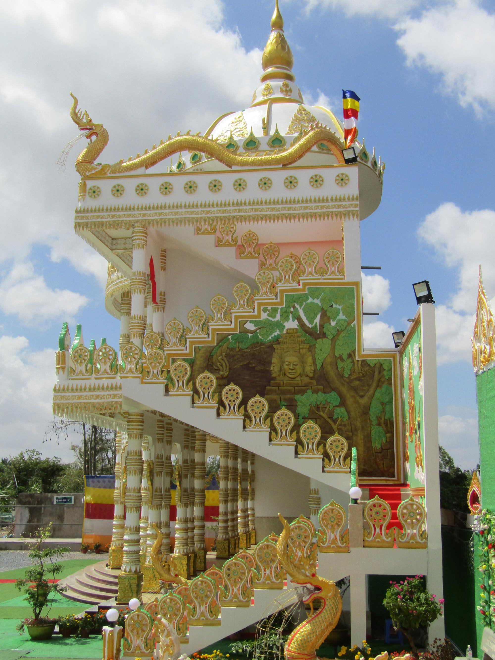 """Độc đáo ngôi chùa """"Thái Lan"""" đang sốt rần rần ở tỉnh Sóc Trăng - Ảnh 5."""