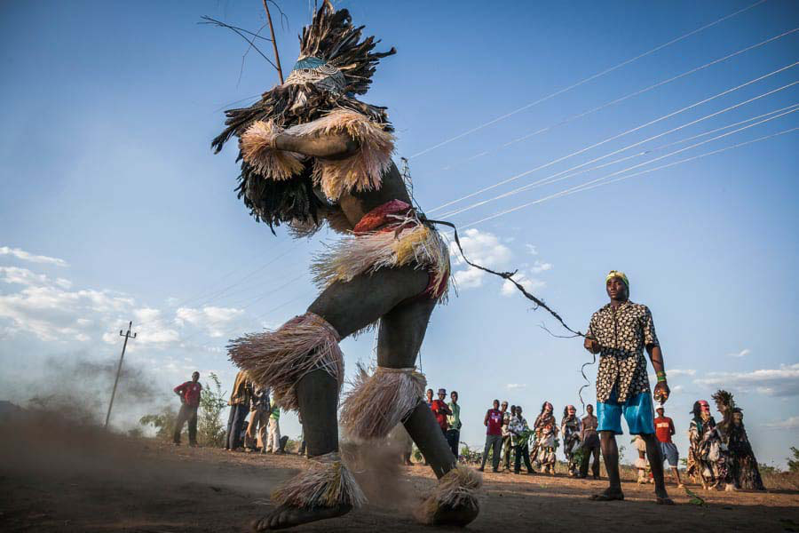Vén bức màn bí mật của bộ tộc Chewa - Ảnh 2.