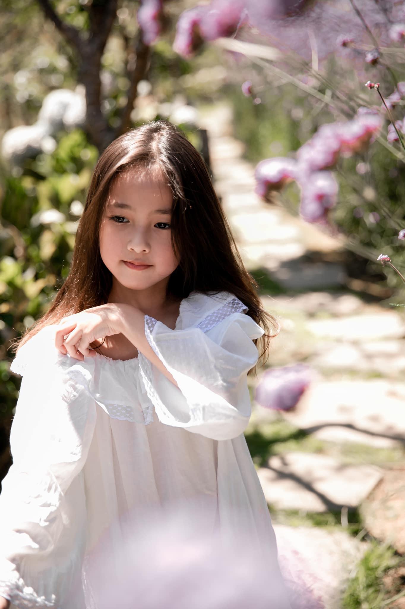 """Con gái của Hà Kiều Anh xinh chuẩn """"đại mỹ nhân tương lai"""" khiến Mai Phương Thúy ngưỡng mộ - Ảnh 1."""