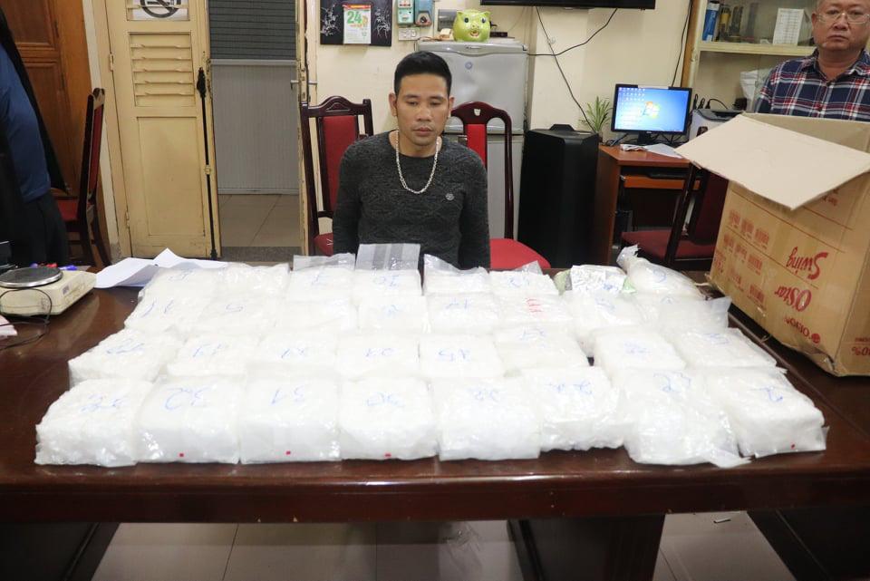 """Lộ diện Hương """"mẫu"""", kẻ cầm đầu băng nhóm mua bán ma túy vừa bị triệt phá - Ảnh 2."""