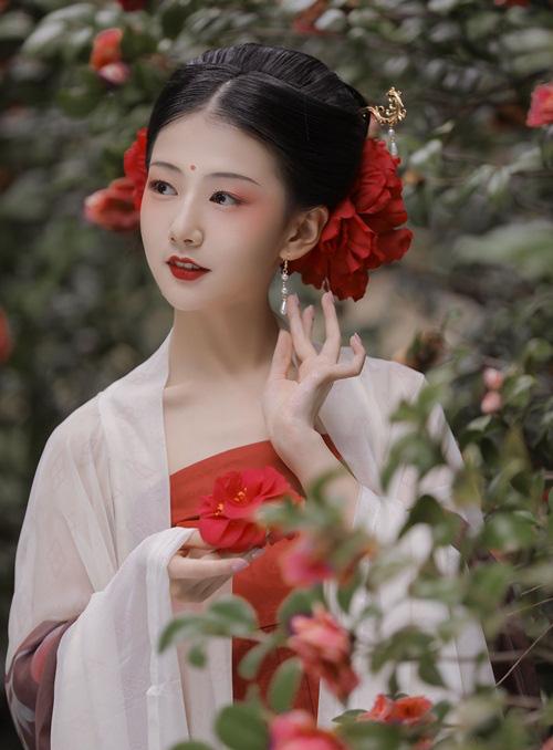 Vì ngôi hoàng hậu, mỹ nhân dâng em gái cho hoàng đế, kết quả lại chết em gái cũng hại chính mình  - Ảnh 2.